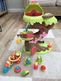 Early Learning Centre Happy Land Treehouse with figures