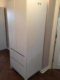 Single wardrobe in perfect condition