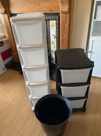 Storage units with wheels