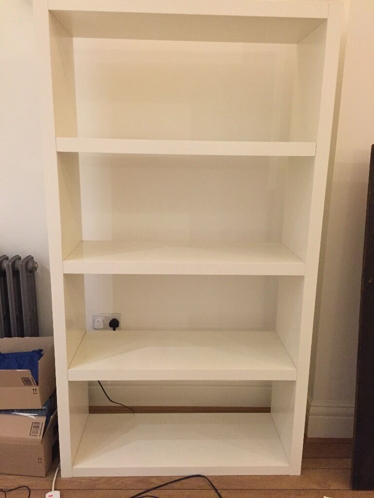 White shelf storage (190x105x38)