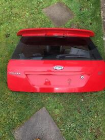 Ford Fiesta boot lif