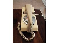 Retro collectable original 1970's. Has new wires. In excellent full working condition .