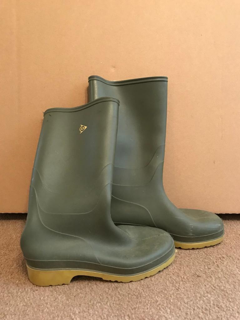 Dunlop wellies size 6