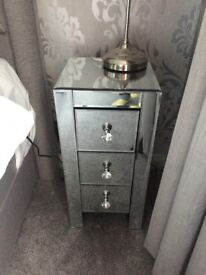 2 brand new in box mirrored bedside drawers