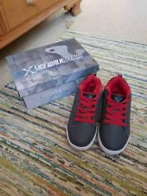 Sidewalk wheely shoes size 3. £5