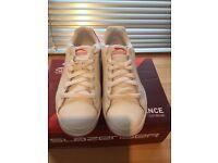 Slazenger white/cerise trainers - Junior size 5