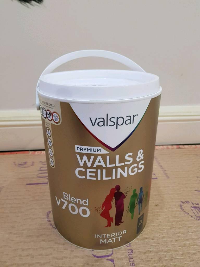 VALSPAR B&Q Matt paint in Mystical Morning blend 700