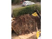 Free soil ready for collection in front of the house around 10 tons -NG5