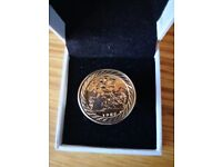 9ct Gold half sovereign ring with diamond set shoulders - Size S