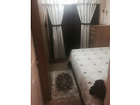 1 Single room in a 2 storey house in White City