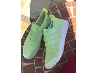 Adidas flux trainers size 6