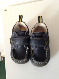 Clarks shoes 3 1/2 F