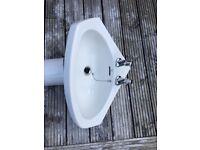 Roca corner sink and pedestal white