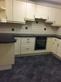 Ferndown 2 Bed First Floor Flat, Modern, Un Furnished, Detached, O R Parking available now
