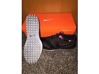 NEW** U.K. Size 9 NIKE golf shoes - lunar mont royal