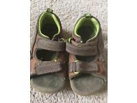 Clarks boys toddler sandals size 5
