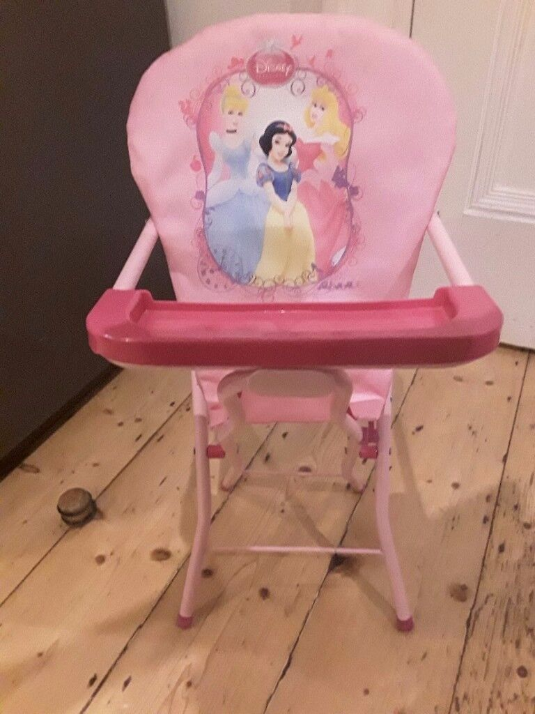 Pretty pink princess collapsable dolls high chair good condition