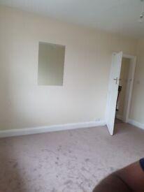 Dauble bed room to rent