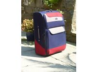 TWO MATCHING ANTLER SUITCASES ONE LARGE & ONE MEDIUM AND VERY SMART