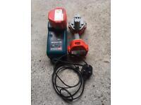 Makita 12v charger and 3 batteries