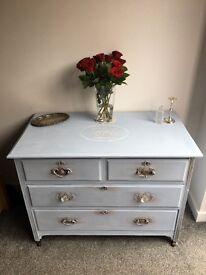 Vintage Chest Of Drawers/Dresser