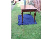 Antique cabriole leg mahogany wooden extendable dining table