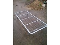 Single metal bed frame (colapsable legs) swindon