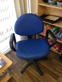 THREE BLUE CHAIRS FOR HAIRDRESSING OR OFFICE £15 FOR THREE