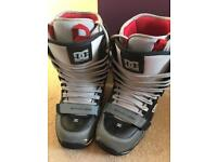 DC Flare men's snowboarding boots size 7.5