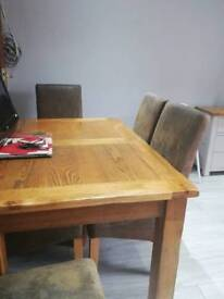 Harvey's 6 Chair Dining Table - Dark Wood Oak