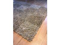 Medium size Beige/nude soft shaggy rug