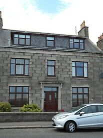 LOVELY TOP FLOOR TWO BEDROOMED FLAT FOR RENT IN FRASERBURGH