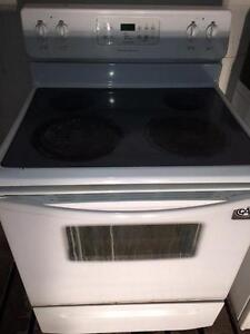 Self Cleaning Range/Oven, FREE WARRANTY, Delivery Available