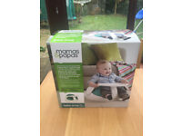 Mamas & Papas Baby Snug Infant Seat with Activity Tray in Excellent Condition