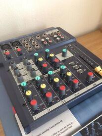 Soundcraft Notepad 102 Compact Mixer