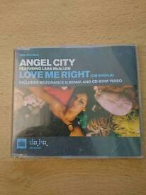 Angel City featuring Laura McAllen- Love me right (oh Sheila) CD