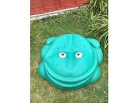 Green frog sandpit