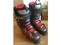 Salomon Mission 770 ski boots, fits UK size 7-8
