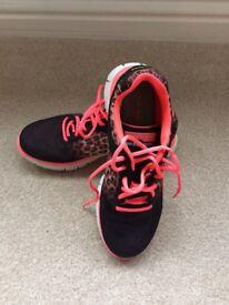Skechers trainers brand new