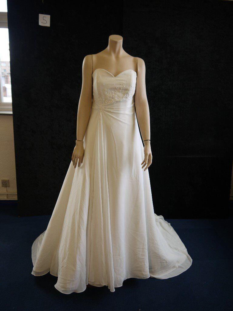 JOB LOT OF WEDDING/MOTHER OF THE BRIDE/ BRIDESMAID DRESSES/VEILS ...