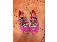 Asics Gel-Noosa Tri trainers size 8
