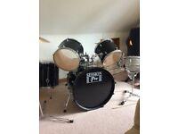 Entry level 7 piece drum kit