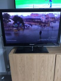 "32"" Samsung 1080p Slim LED TV"
