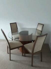 Table and 4 chairs (tom Schneider)