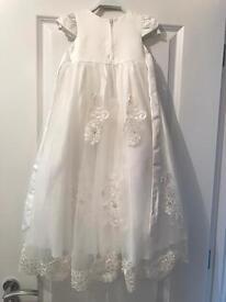 Beautiful ivory baby Girls christening dress size 0-6m