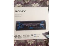 Used Sony MEX-N4100BT CD/MP3 car stereo with built in bluetooth front USB/AUX input in Reading