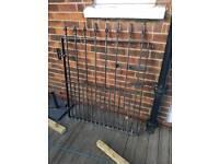 Iron single gate