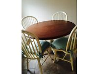 Round Dining Table with 4 Chairs.