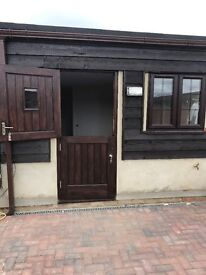2 Bed Fully Refurbished Apartment in Barn Conversion