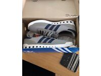 Men's adidas pts Size 9, like new
